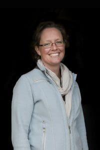 Daphne van der Voort Bartels Horse & Health Instituut, sportmassage voor paarden, opleiding Gisella Bartels