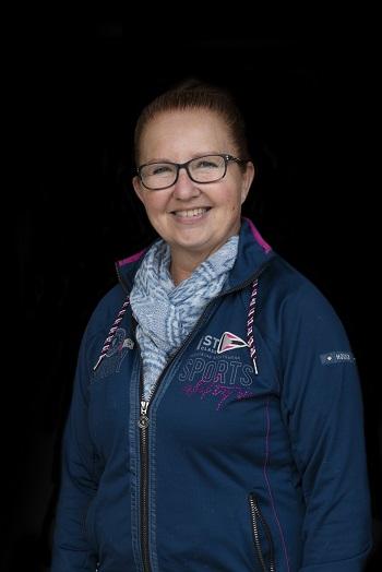 Monique Bleijenbergh, massage voor paarden, taping voor paarden, Bartels Horse & Health Instituut